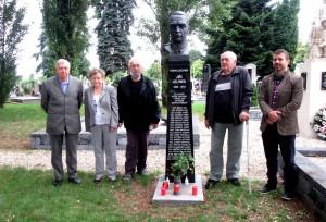 Dňa 20.6.2020, členovia Občianskeho združenia o 10:00 hod. zapálili sviečky pri symbolickom hrobe československých legionárov