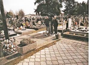 Dňa 15.3.2021 na cintoríne sv. Jozefa a Pamätnej tabuli pri Sokolovni si členovia OZ Za troma mostami pripomenuli revolučné roky 1848/49.