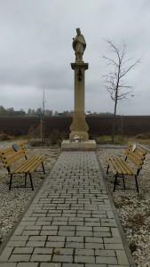 Dňa 14.11.2020 členovia OZ Za troma mostami zasadili lipu pri soche sv. Jána Nepomuckého na Zúgove.